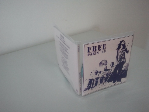 Space-saving cd sleeves