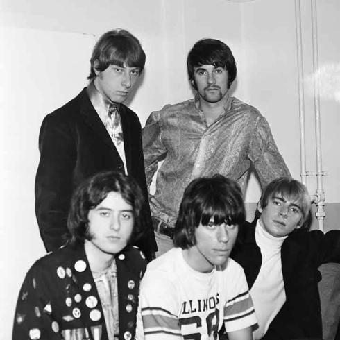 YARDBIRDS: da sx a dx: Jimmy Page, Chris dreja, Jeff beck, Jim McCarthy, Keith Relf