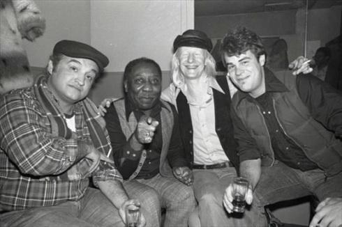 Jon Belushi, Muddy Waters, Johnny Winter, dan Aykroyd