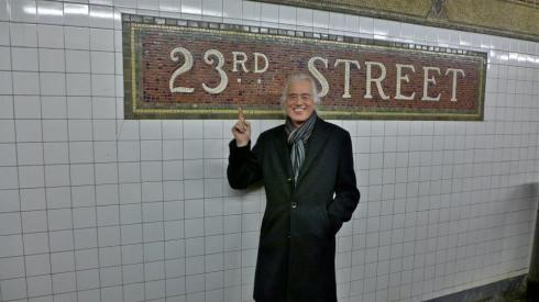 JP in metropolitana a NY - foto di Ross Halfin