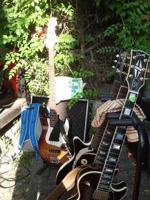 Cattiva Compagnia Tim Tirelli guitar army