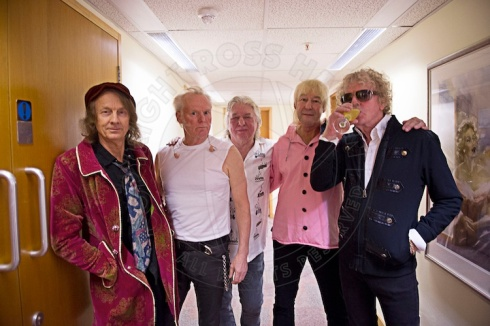 MOTT THE HOOPLE Birmingham 11-11-2013 - photo by ROSS HALFIN