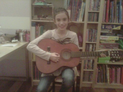 Carlotta Stefani plays guitar (sulle orme di Jimmy Page)