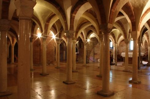 La Cripta della Abbazia di Nonantola