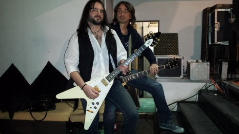 CATTIVA al Corallo 2014 - soundcheck -  Lorenz & Tim: the Gibson twins (foto di Saura T.)