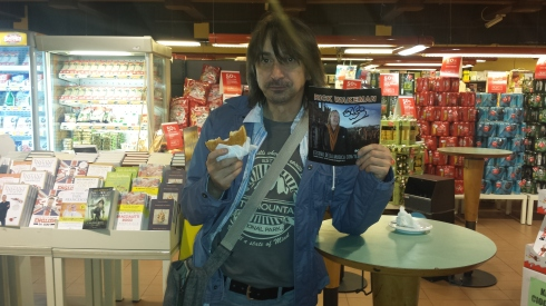 Post show daze - Tim Tirelli in Autogrill (foto saura Terenziani)