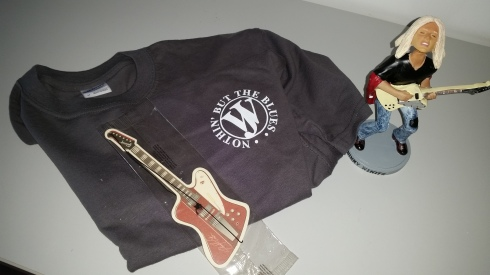 Johnny Winter merchandising - photo Tim Tirelli