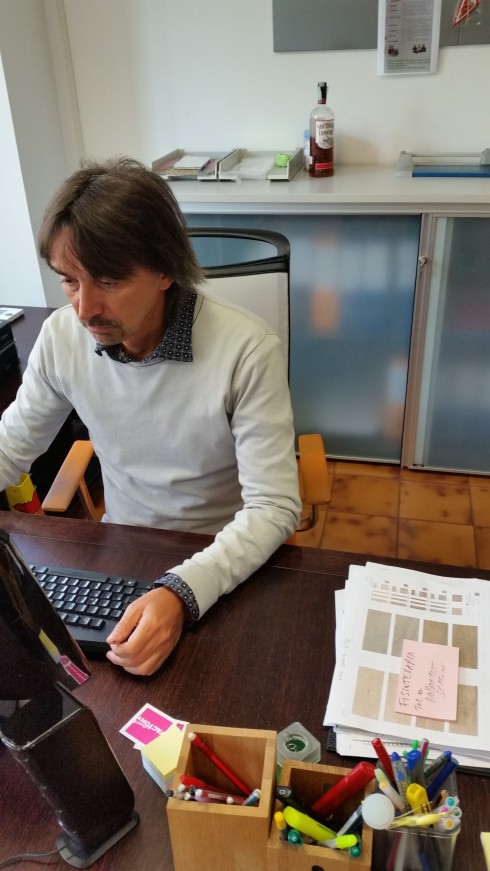 Tim at the office - aprile 2015 (Foto Sarwooda)