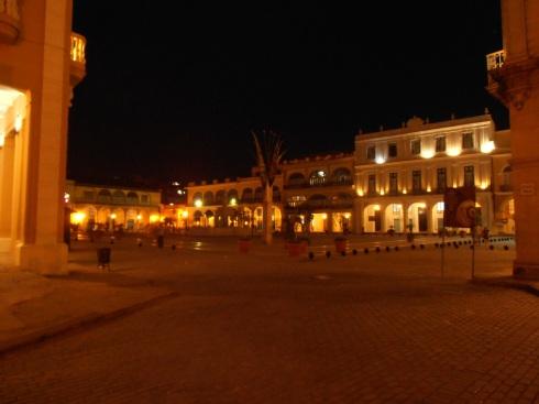 Plaza Veja by night, Habana   (photo Saura Terenziani