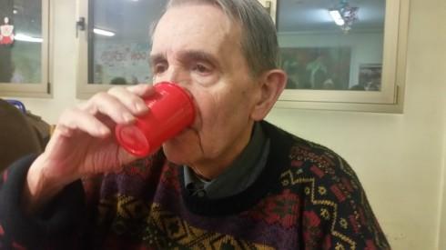 Brian ci dà di spumante al Xmas party - foto TT