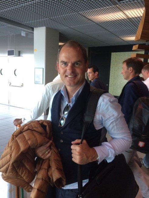 Frankie De Boer all'Aeroporto di Amsterdam poco fa. Foto Aldo Serena